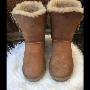 Ugg boots size 9.
